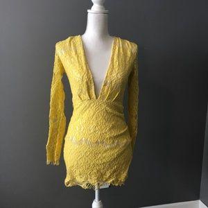 Yellow Deep V-Neck Long-Sleeve Bodycon Lace Dress